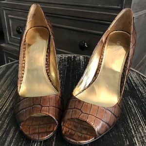 Enzo Angiolini Brown Embossed Heels Size 8.5